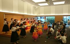 プメハナ・オ・カ・ラーさんによるフラダンスショー